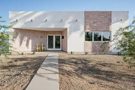 southwestern houses see how this phoenix home keeps cool in the desert heat hgtv u0027s