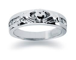 the story wedding band the story of the claddagh history symbolism lore applesofgold
