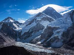 film everest in berlin mount everest third climber in three days dies descending summit