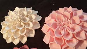 edible wedding cake decorations 1 large dahlia cake decoration edible flower sugar flower