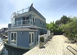 floating houses what it u0027s like to live on a floating house in toronto notable life