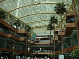 file wintergarden at the renaissance center jpg wikimedia commons