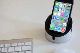 support bureau iphone alucup un support iphone pour votre bureau antoine guilbert