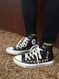 Pakai Sepatu Converse studded chucks kickin it converse clothes and fashion