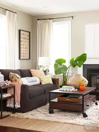 Brown Couches Living Room | ways to decorate with a brown sofa