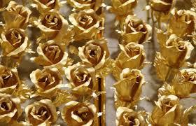 golden roses 1 999 golden roses for a yes
