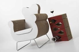 arredo in cartone arredi in cartone dalle librerie alle sedie la nuova tendenza