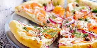cuisiner saumon fumé pizza au saumon fumé facile et pas cher recette sur cuisine actuelle