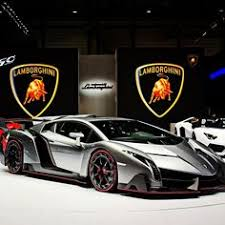 how fast can a lamborghini veneno go literally hundreds of the s cars just debuted here