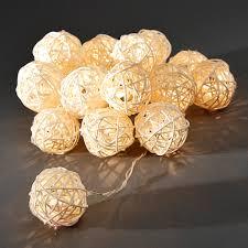 Guirlande Lumineuse Fleurs by Guirlande Lumineuse Led Boules à 16 Lampes