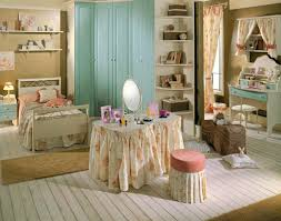 Havertys Bedroom Furniture Sets Couple Kissing In Bedroom Home