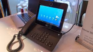 Cisco Desk Phone Hands On With The Cisco Dx650 Android Powered Office Phone