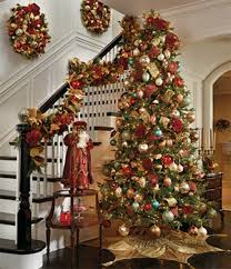 Christmas Decorations For Homes Best 25 Christmas Stairs Decorations Ideas On Pinterest Easy