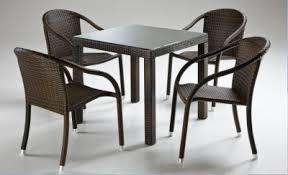 tavoli e sedie per esterno prezzi occasione mobili da giardino in rattan mobili da esterno per