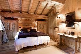 deco chambre montagne déco chalet montagne une centaine d idées pour la chambre à coucher