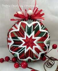 Quilted Christmas Ornaments To Make - learn to make these quilted ornaments from fabric and ribbon with