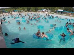 how no swimmers noticed toddler drowning at crowded water park
