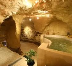 chambre hote insolite weekend insolite dans un hébergement troglodyte en provence