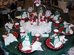 Christmas Decoration Table Settings by Excellent How To Decorate A Christmas Table For Christmas Party 90
