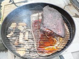 cuisine au barbecue comment ne pas brûler les brochettes et les merguez au barbecue