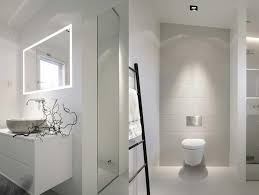 interior cheerful white bathroom design and decoration using
