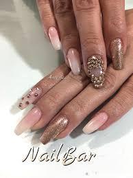 uas de gelish decoradas uñas de acrílico decorado en gelish geleration y piedra oro rosa