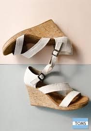 wedding shoes toms toms wedding shoes wedding photography