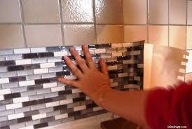 recouvrir carrelage cuisine recouvrir du carrelage mural cuisine 1 tout le monde parle du