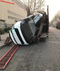 truck tesla tesla model xs fall off chinese transport truck that broke apart