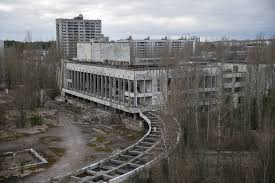 ukraine haunting photos of abandoned ghost towns 30 years after