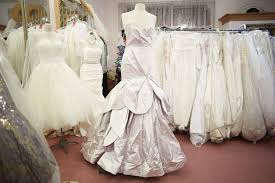 wedding dress stores near me i do designer bridal consignment shopping in dunning oak park