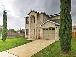 3br san antonio house w patio u0026 private backyard leon valley