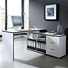 bureau design noir laqué bureau dangle design avec caisson area bureaux design noir et blanc