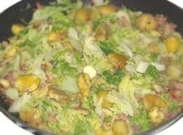 cuisiner du chou recette de chou vert aux châtaignes la recette facile