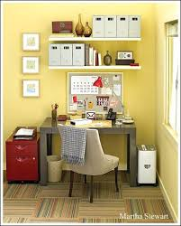 Charming Decorating Ideas For fice 17 Best Ideas About Small