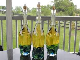 23 DIY Ideas That Turn Old Wine Bottles Into Adorable Crafts