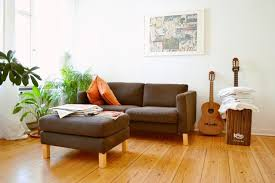 wohnideen helles laminat wohnideen tapete wohnzimmer moderne inspiration innenarchitektur