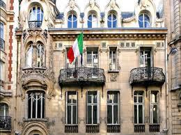 consolato d italia parigi parigi rivolta di studenti e prof alla scuola italiana mancano