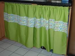 cache rideau cuisine un rideau pour cacher le p bordel dans la cuisine elodystyle