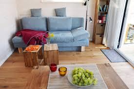 Stephans Wohnzimmer W Zburg übernachten Auf Einem Hausboot Reisemagazin