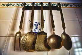 vieux ustensiles de cuisine vieux ustensiles de cuisine photo stock image du cuisine métal