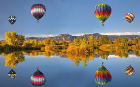 wallpaper air balloon reflection lake mountains autumn
