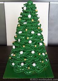 to make a christmas tree out of pasta