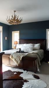 Blue Accent Wall Bedroom by Best 25 Rustic Bedroom Blue Ideas On Pinterest Blue Spare