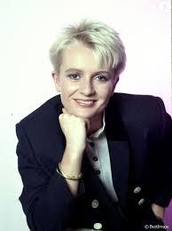 coupe de cheveux de davant davant la coupe courte la plus célèbre du paf de 1990 à
