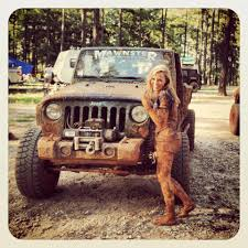 muddy jeep girls nothing goes better with a jeep than mud and girls cool jeeps