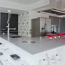 silestone cuisine plan de travail en silestone de cuisine gris expo cosentino