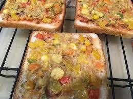 samira cuisine pizza bread pizza without cheese recipe by samira gupta cookpad