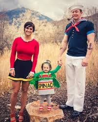 Adam Family Halloween Costumes by 50 Fabulous Themed Family Halloween Costumes Brit Co