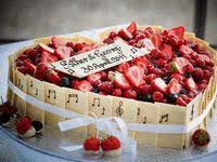 hochzeitstorte erdbeeren sommerliches erdbeer zitronen toertchen 019 hochzeitstorte